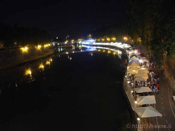 Summer Nights in Rome - Shops and restaurants along the Tevere