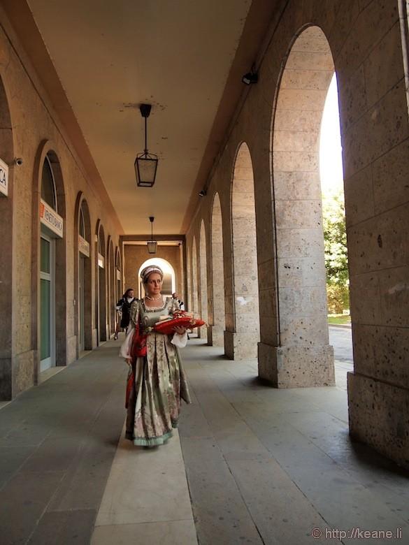 Palio di Ferrara - Girl in Costume
