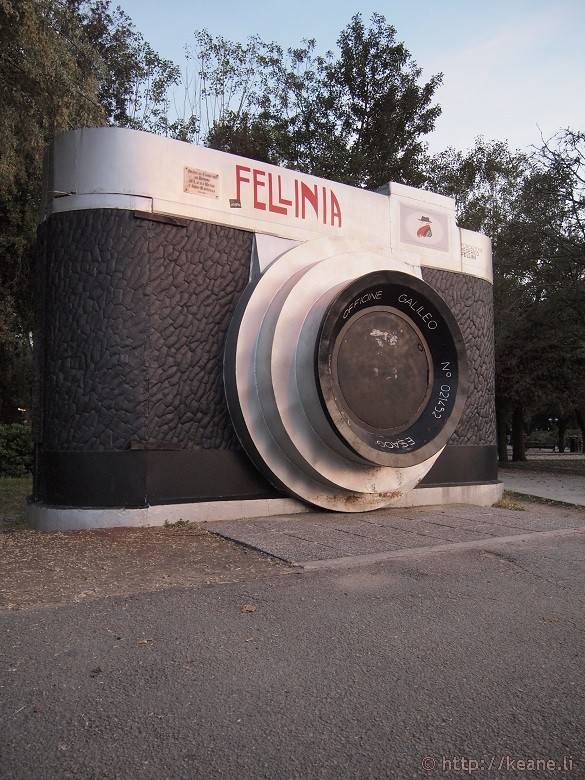 Camera monument to Fellini along the Rimini beach