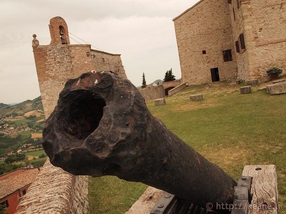 Cannon at the Rocca Malatestiana di Verucchio