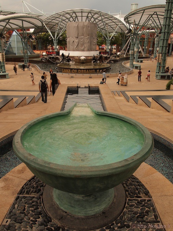 Sentosa Island in Singapore - Fountain and Lake of Dreams