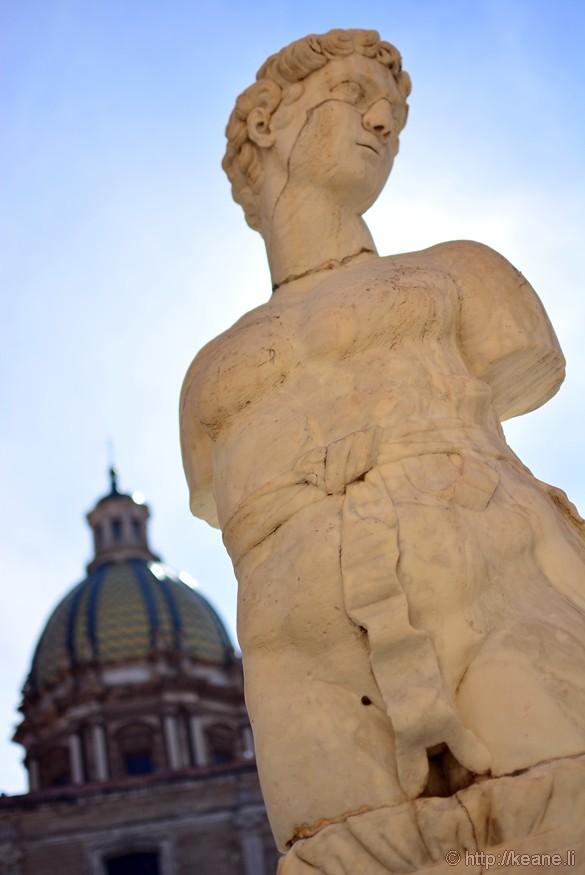 Fontana Pretoria Statue