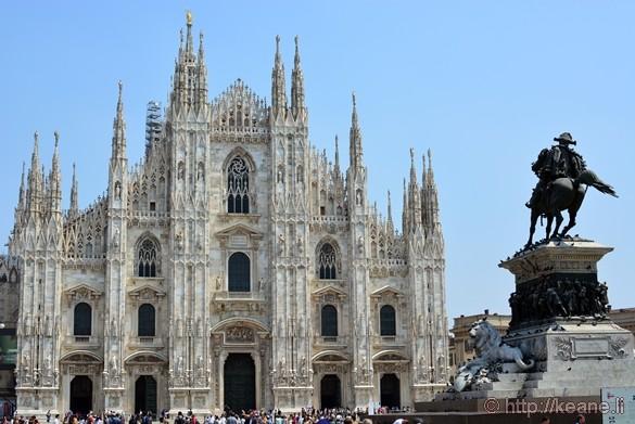 Duomo di Milano and Statue of Vittorio Emanuele II