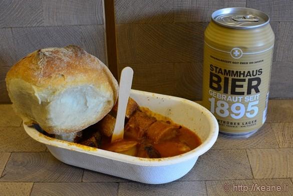 Currywurst & Stammhaus Bier at Sternen Grill in Zürich